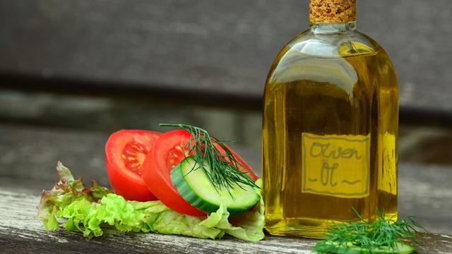 Italijani prelaze na voće i povrće - Proizvodnja maslinovog ulja prepolovljena