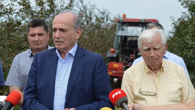 """Zadruga """"Lipovac"""" obrađuje 50ha pod višnjom - Značajna pomoć stigla iz kabineta za regionalni razvoj"""