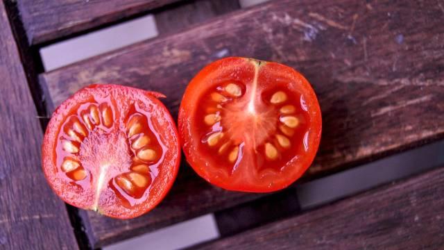 Ovo je najbolji način da sačuvate seme paradajza za sledeću godinu