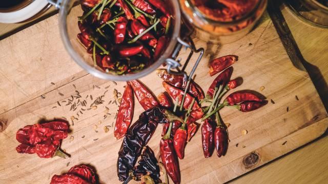 3 načina da sami osušite paprike i čili papričice kod kuće
