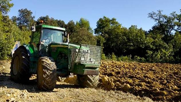 Šta sve treba da ima dobra traktorska guma - © Pixabay