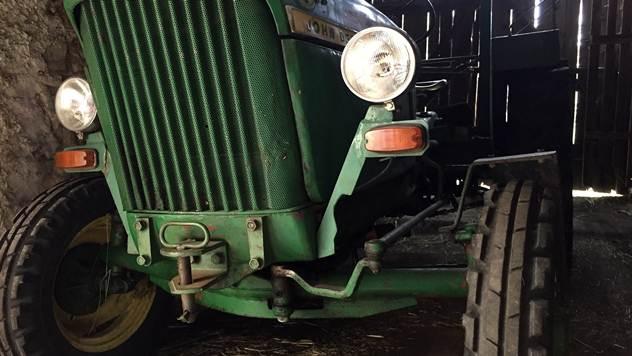 Pre kupovine polovnog traktora obavezno zavirite ispod haube - © Pixabay