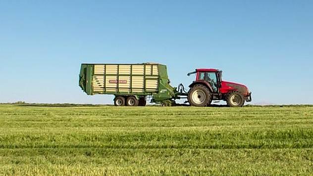 Traktor © Agromedia
