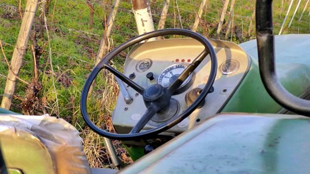 Počinje kontrola nafte u traktorima - © Pixabay