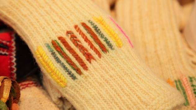 Knitting socks between arts and crafts - © Agromedia