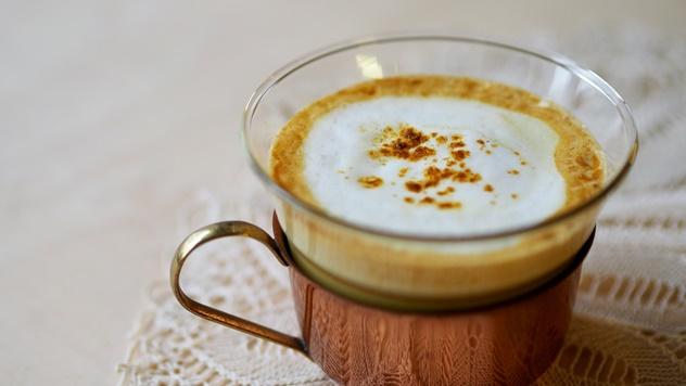 Zlatno mleko sa kurkumom - © Pixabay